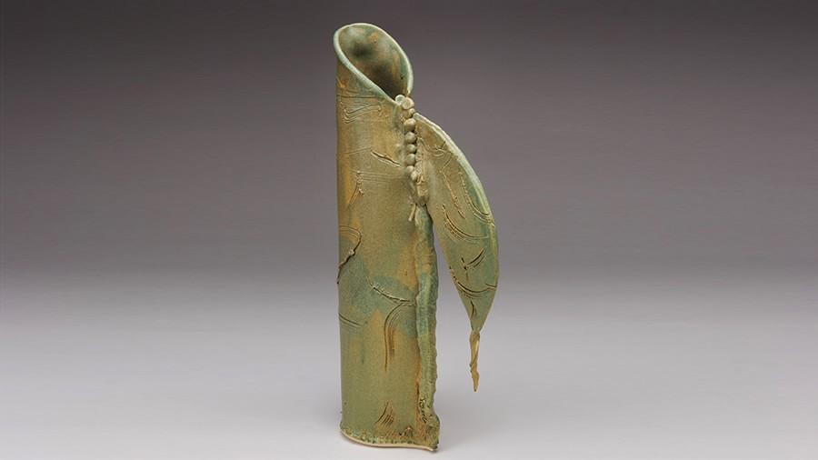 Slideshow-Vase-Handle